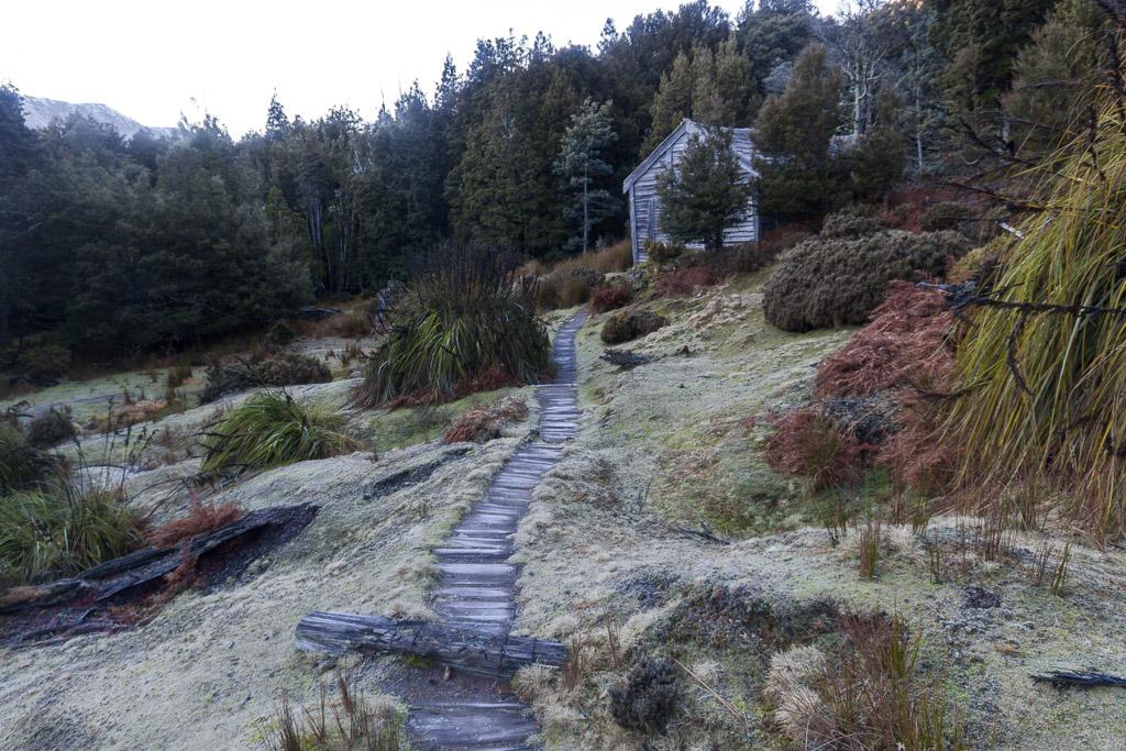 du-cane-hut-overland-track