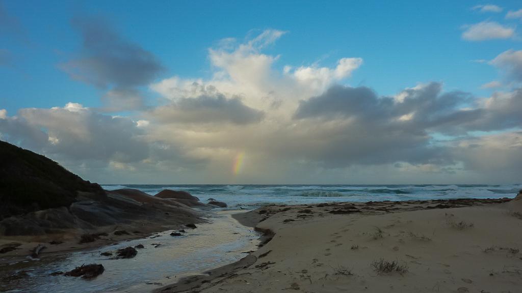 sunrise-over-ocean-clinton-rocks-croajingolong