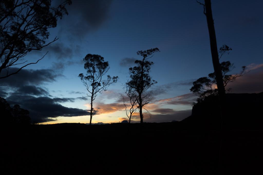 sunset-pelion-hut-overland-track