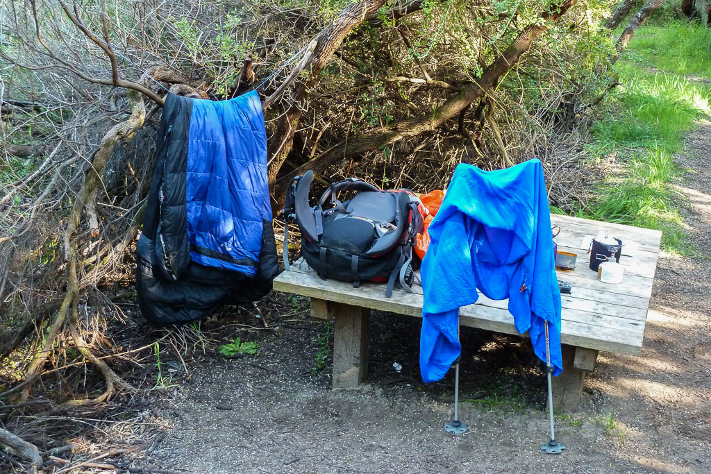 drying-hiking-gear-aire-river