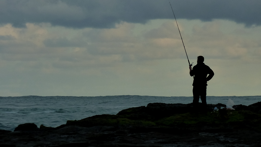 rock-fisherman-blanket-bay