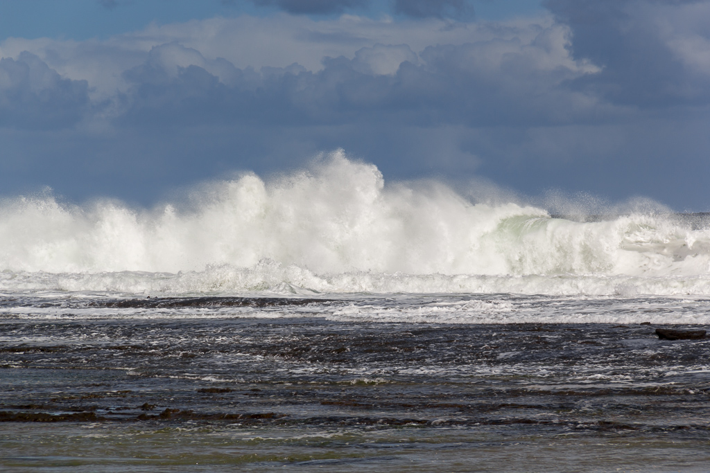 waves-breaking-apollo-bay