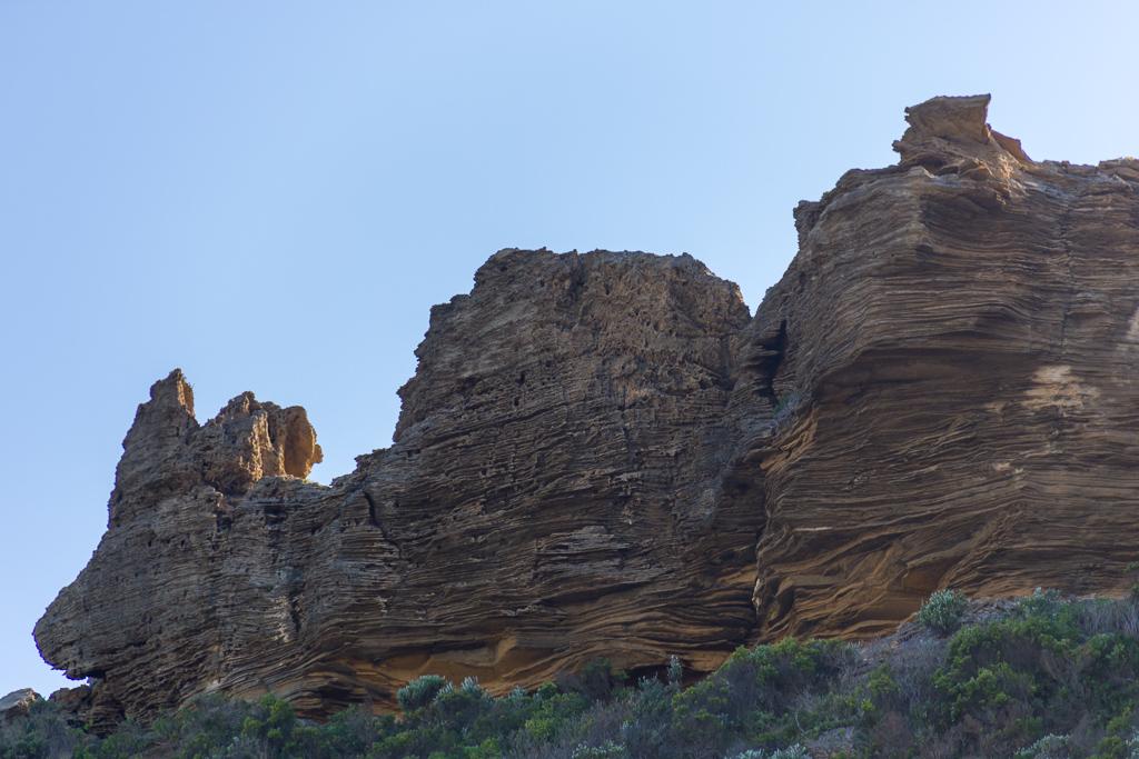 cliffs-near-castle-cove-great-ocean-walk