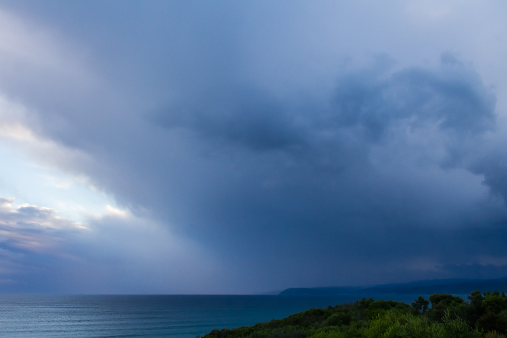 rain-clouds-over-aireys-inlet