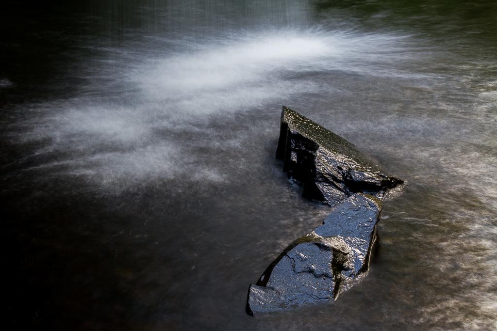 rocks-beneath-lower-kalimna-falls-otways