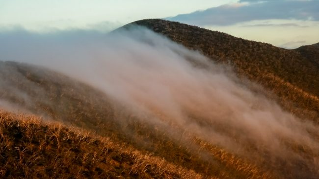 clouds-sunset-near-mount-feathertop