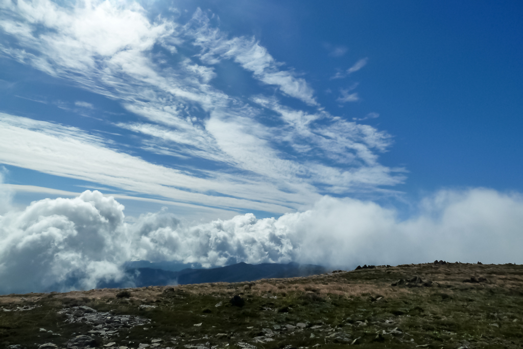clouds-above-track-to-mount-bogong