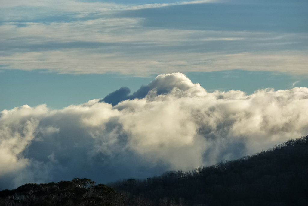 clouds-below-mount-bogong