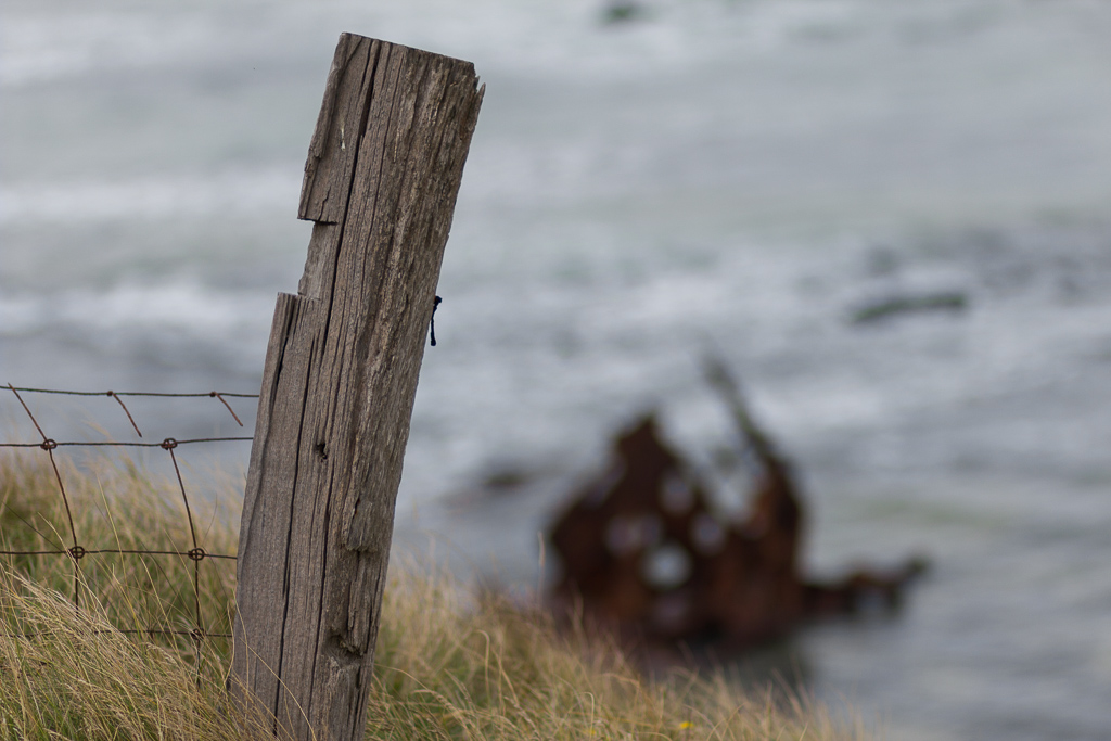 fence-post-cliff-phillip-island