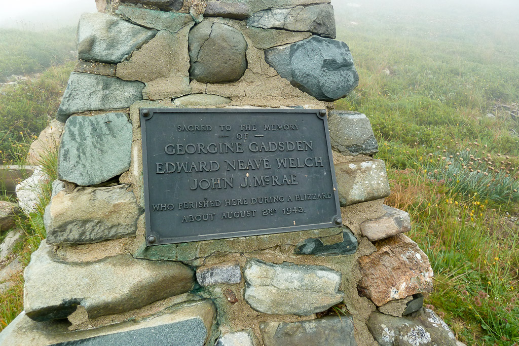 plaque-gadsden-memorial-mount-bogong