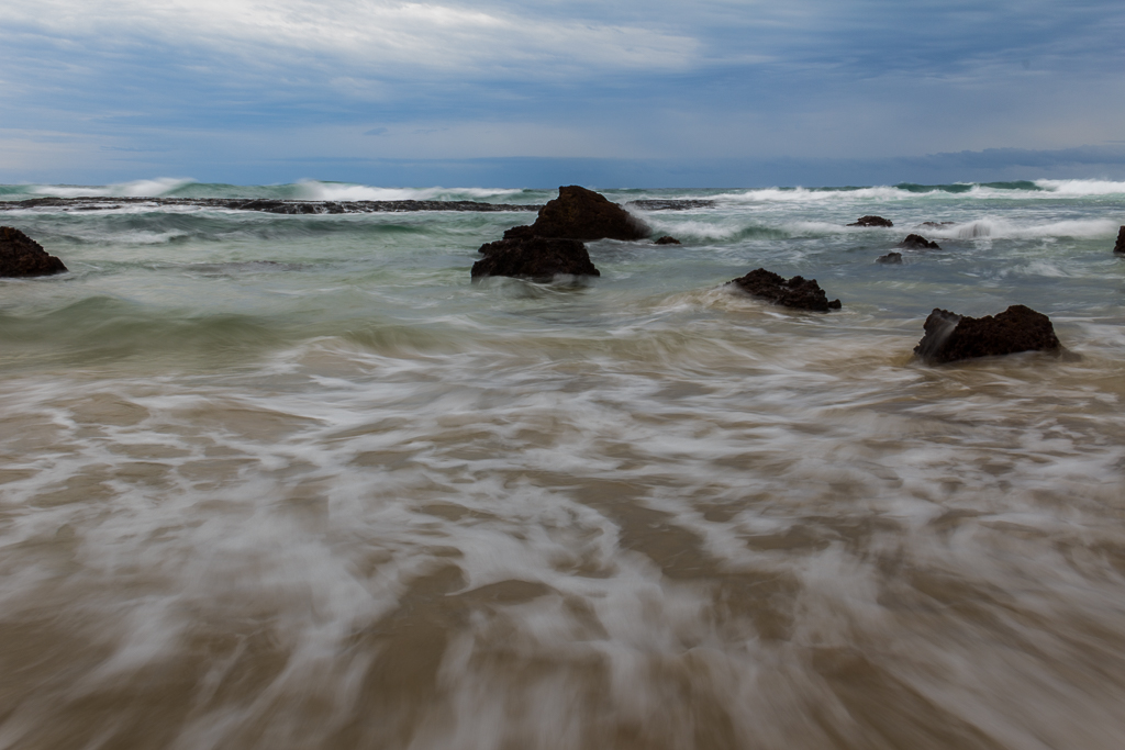 waves-beach-phillip-island