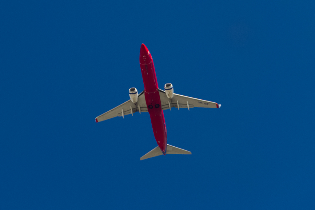 air-liner-red-fuselage