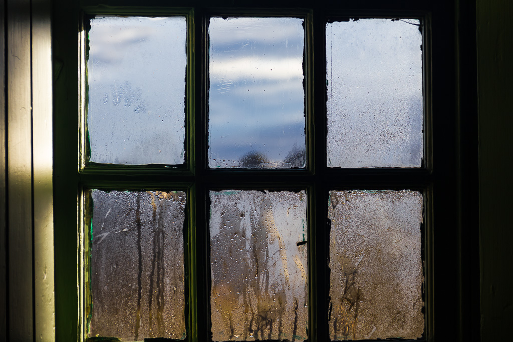 condensation-window-glass