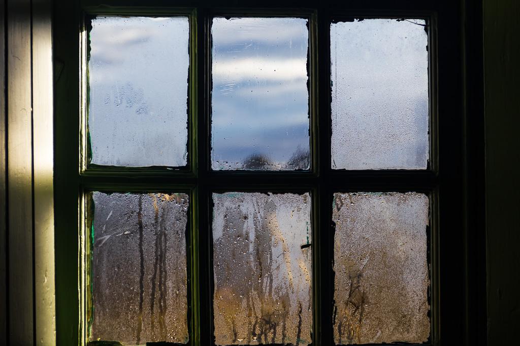 condensation-window-glass