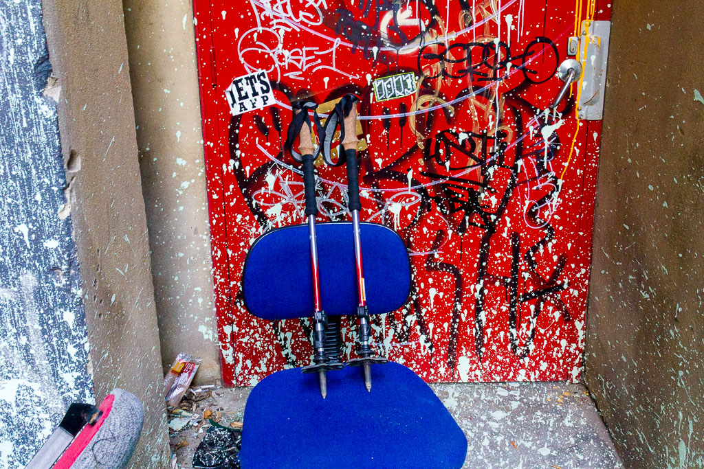 black-diamond-trekking-poles-graffiti-chair