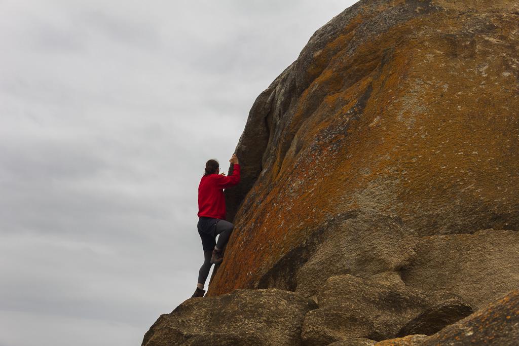 climbing-salmon-rocks-cape-conran-victoria