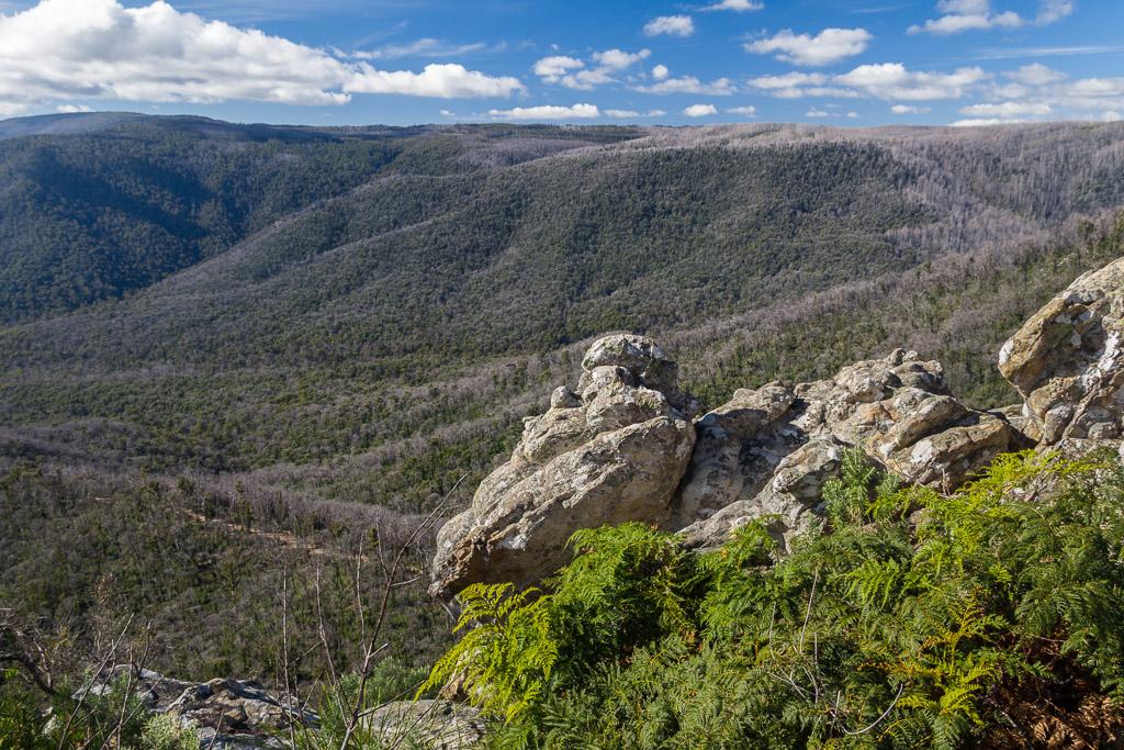 sugarloaf-peak-views-cathedral-ranges