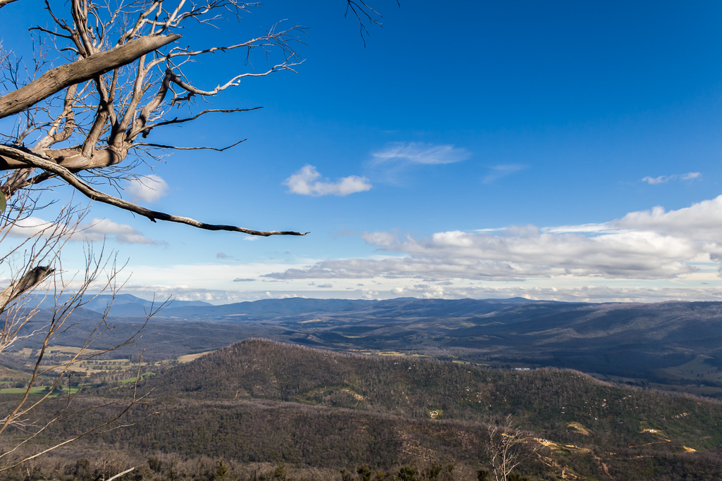 view-from-sugarloaf-peak-cathedral-ranges