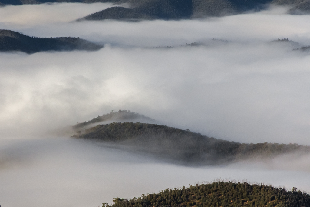 clouds-in-valley-bennison-lookout