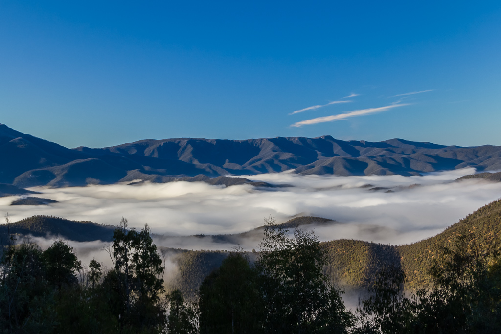 clouds-valley-bennison-lookout