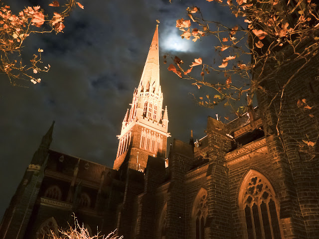 st-patricks-cathedral-night
