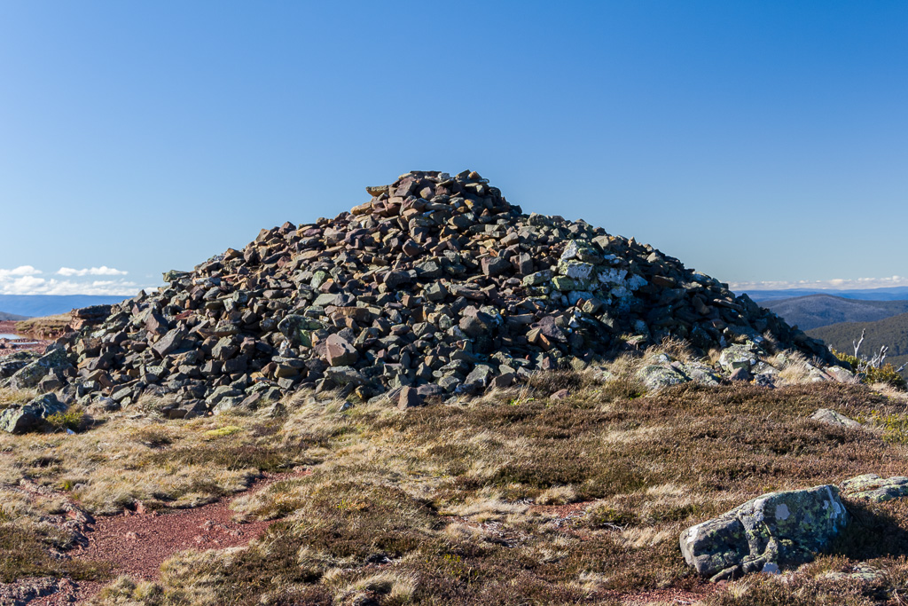 summit-cairn-mount-wellington-victoria-alpine