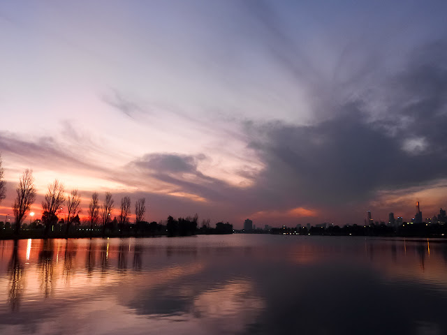 sunset-albert-park-lake