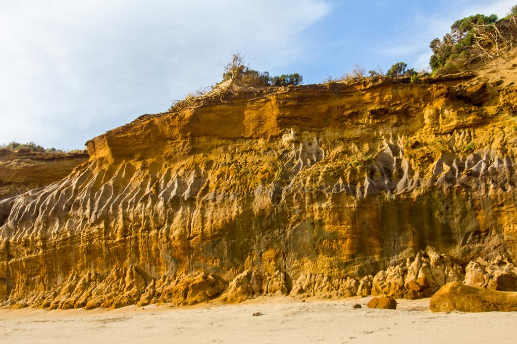 sand-cliff-cape-woolamai