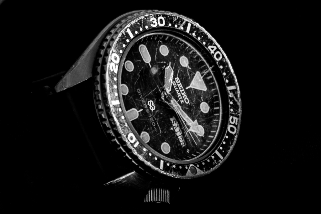 seiko-150m-divers-watch-scratched