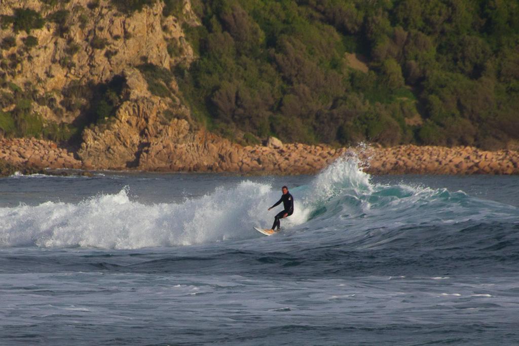surfer-cape-woolamai-phillip-island