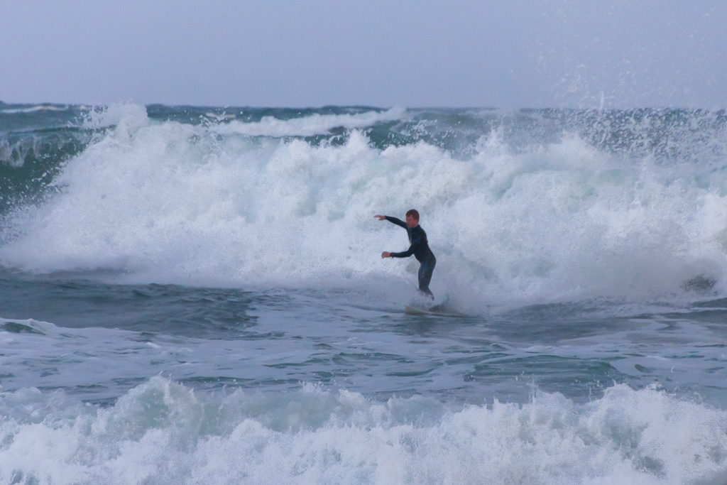 surfer-winter-flinders