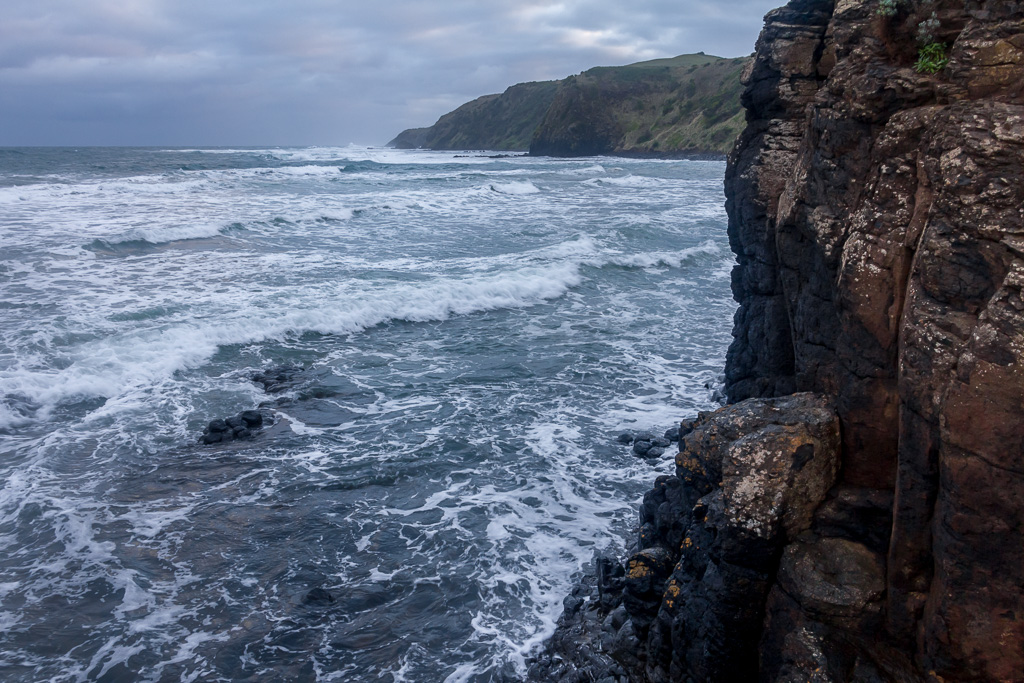 waves-against-cliffs-winter-flinders