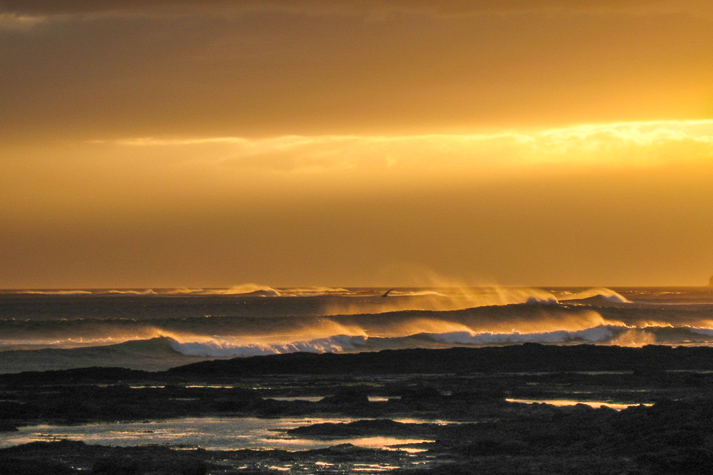 yellow-sky-flinders-beach-waves