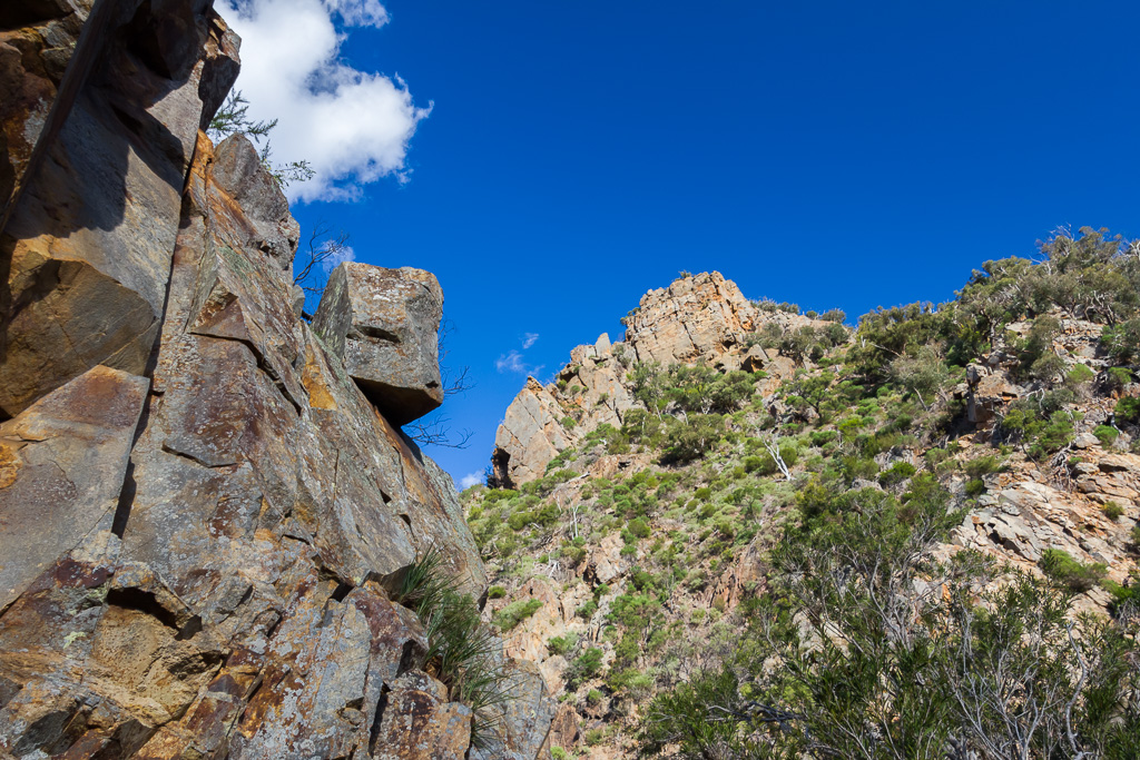 rock-wall-boulder-above-werribee-river