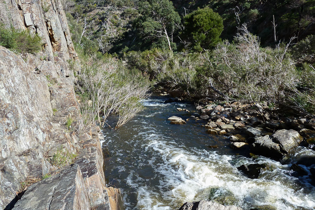 rock-wall-next-to-werribee-river