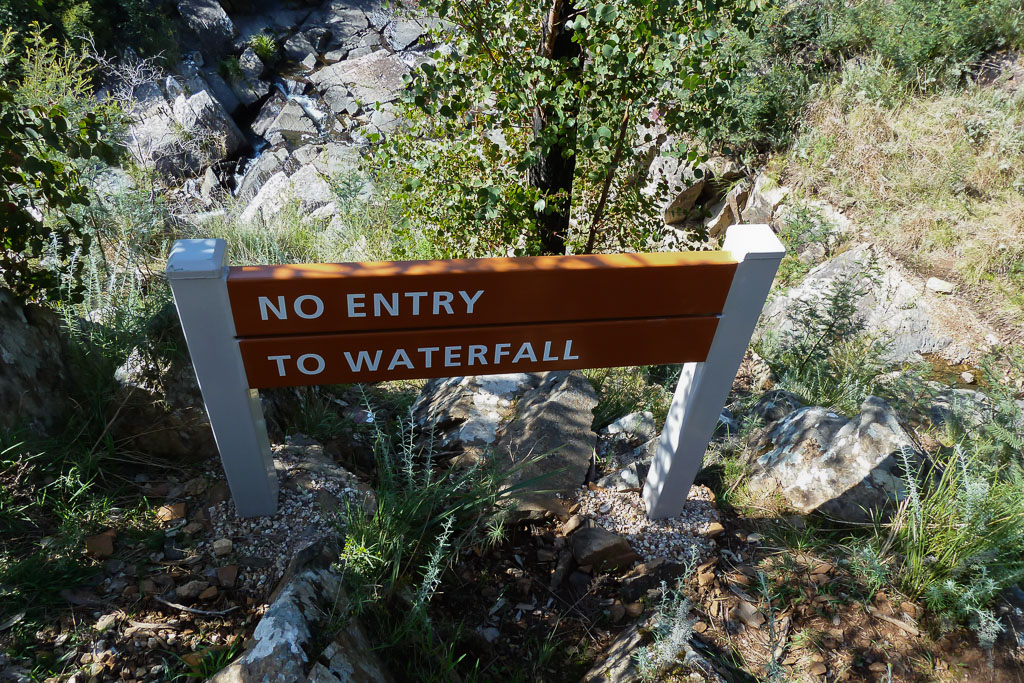 no-entry-sign-strath-creek-falls