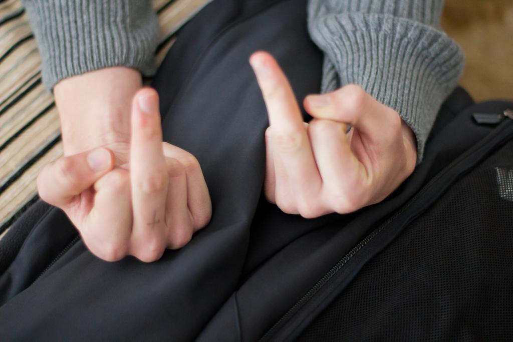 twin-fingers