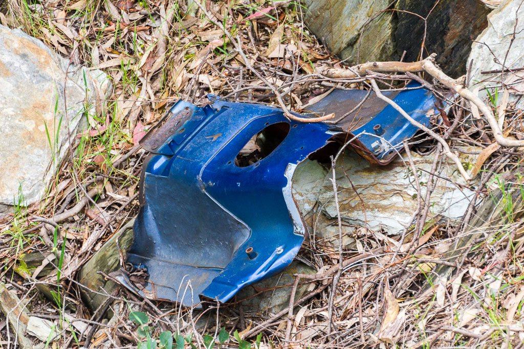 abandoned-car-part-in-gully-goldfields-victoria