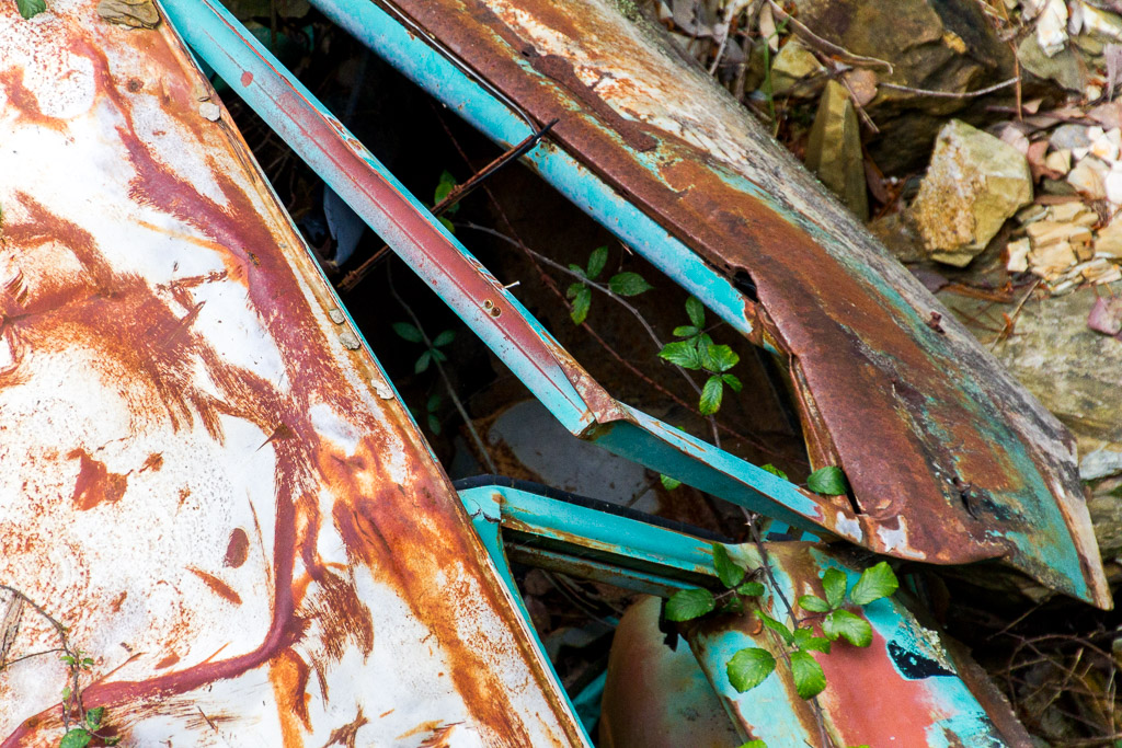 abandoned-car-wreck-goldfields-victoria