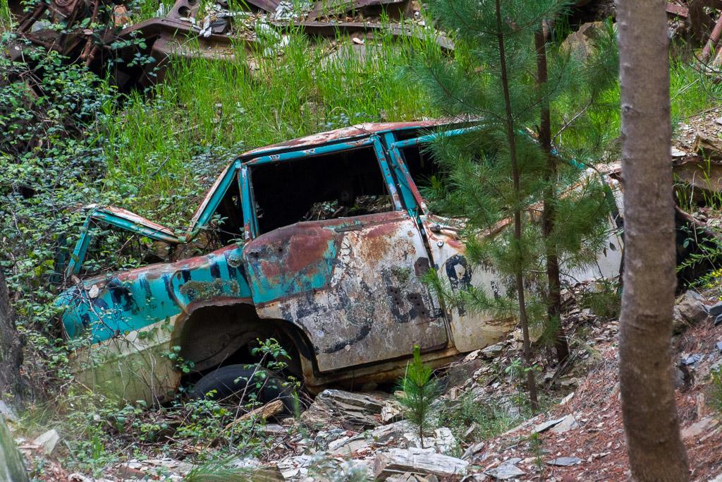 car-wreck-in-gully-goldfields-victoria