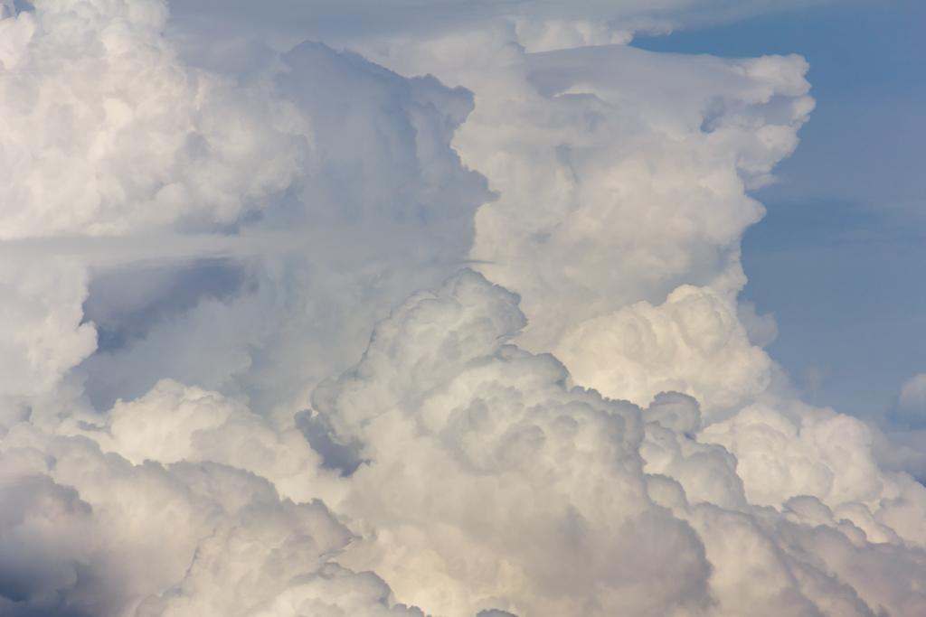 clouds-cumulus-rain
