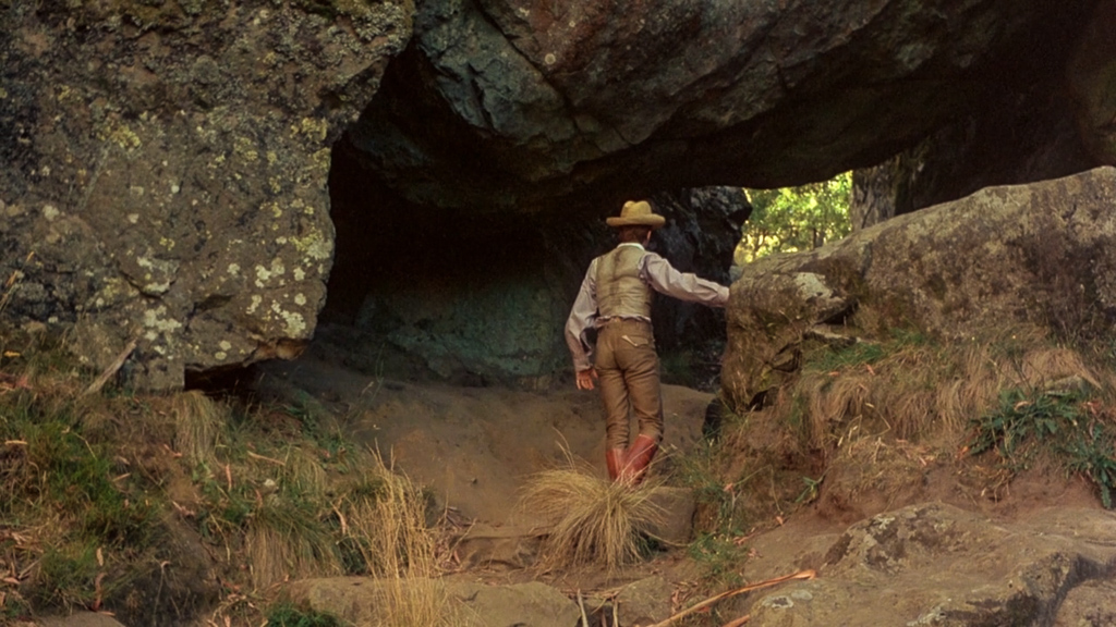 hanging-rock-movie-screen-shot-walking-in-rocks