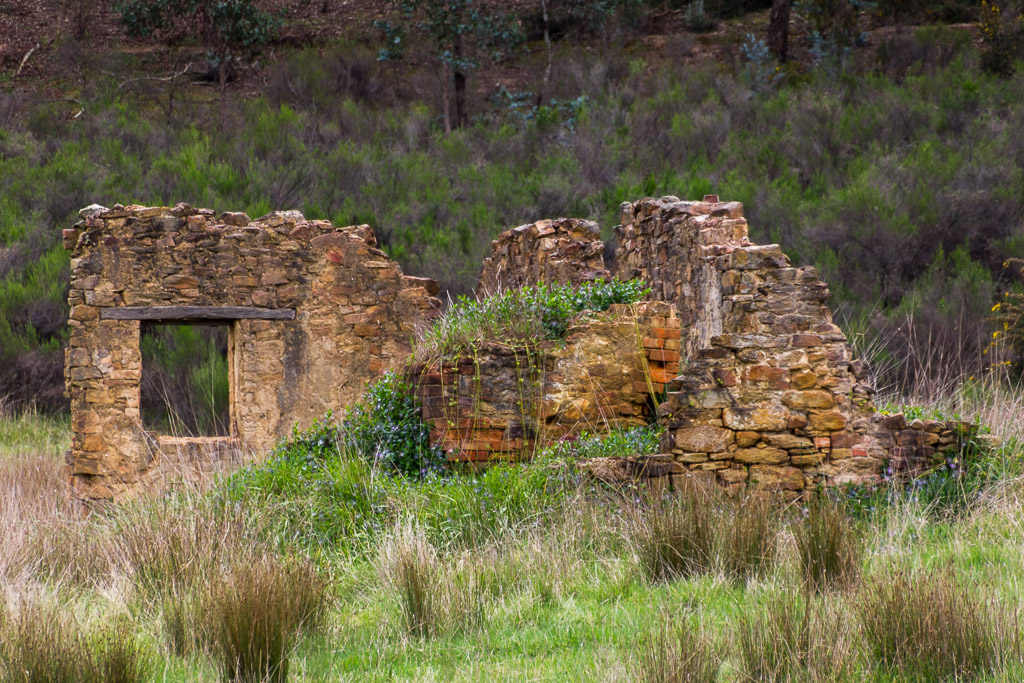 old-building-ruins-castlemaine