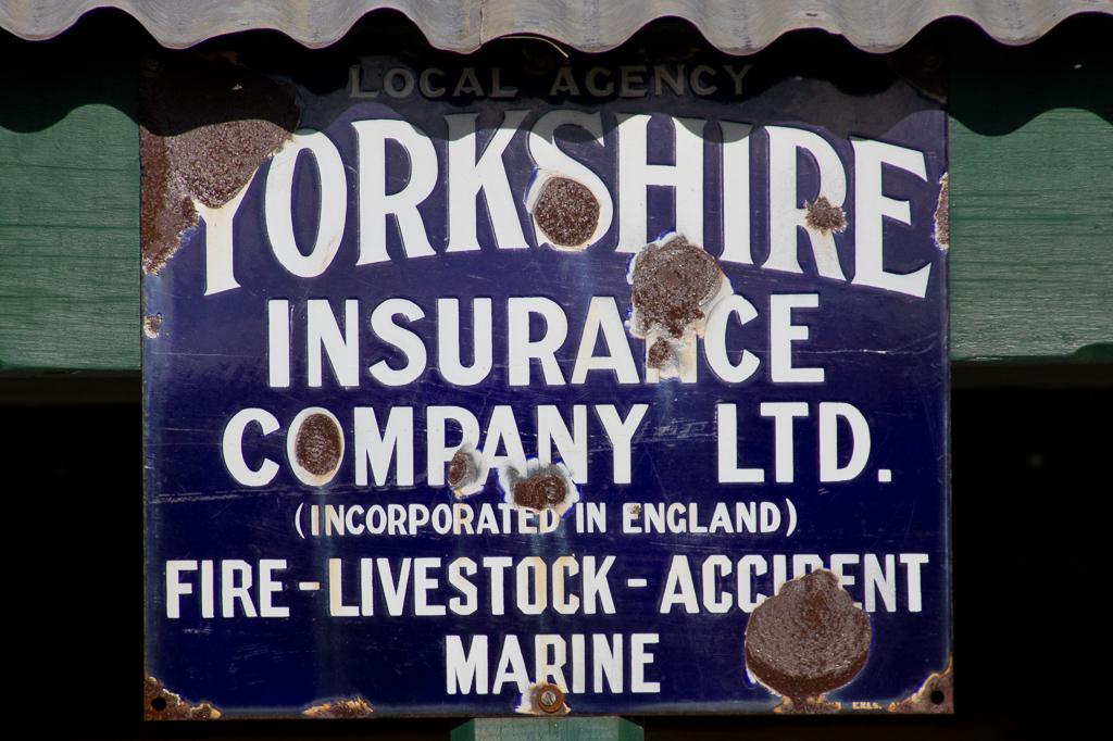 old-sign-yorkshire-insurance-steiglitz