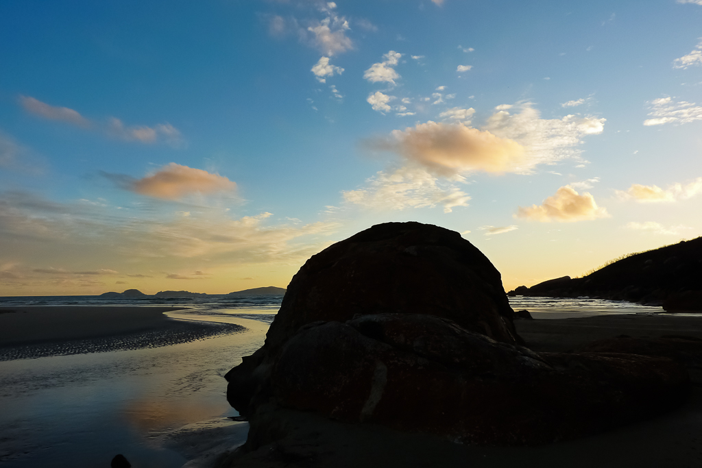 large-rock-beach-sunset-oberon-bay-wilsons-promontory