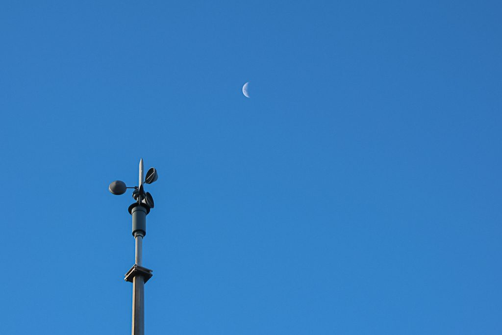 moon-above-vane-wilsons-prom-lighthouse