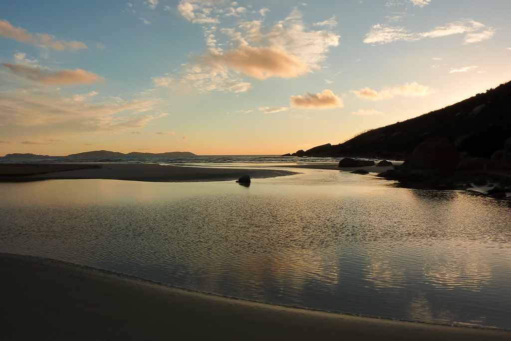 sunset-oberon-bay-wilsons-promontory