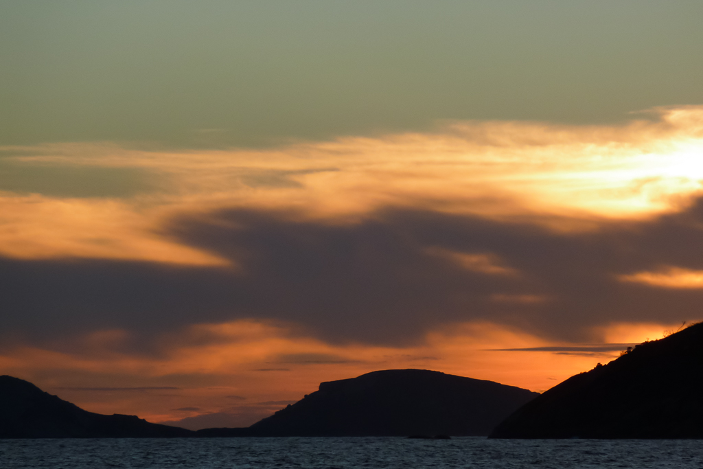 sunset-over-water-oberon-bay-wilsons-promontory