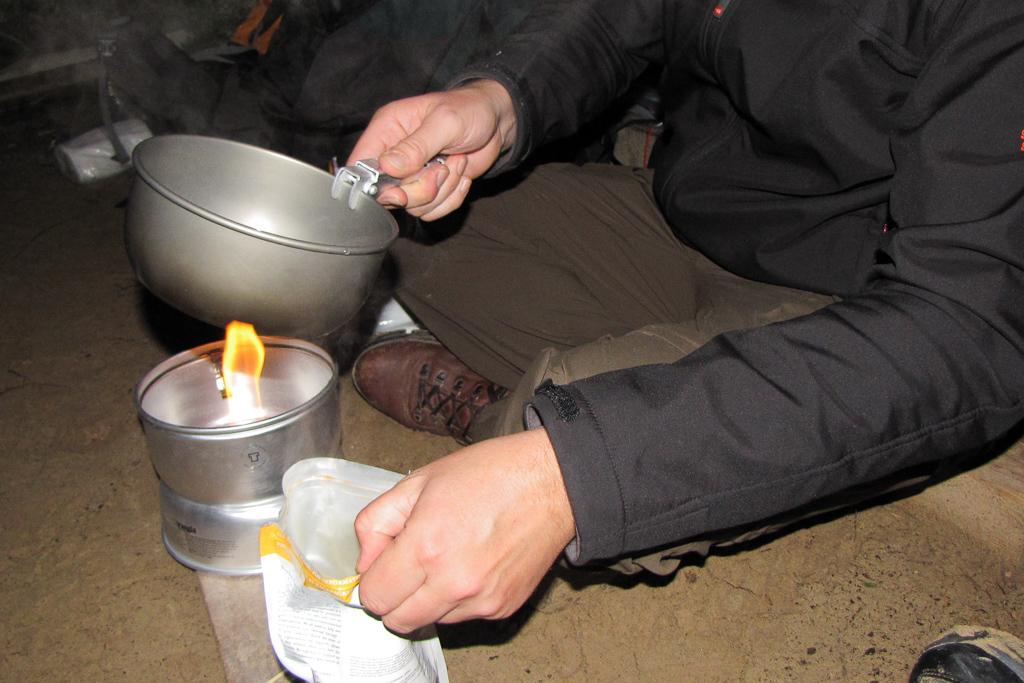using-trangia-stove
