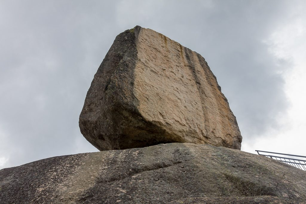 monolith-rock-mount-buffalo